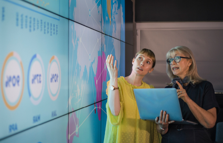 Visual Storytelling: A Practical Guide to Communicating Insights with Interactive Dashboards